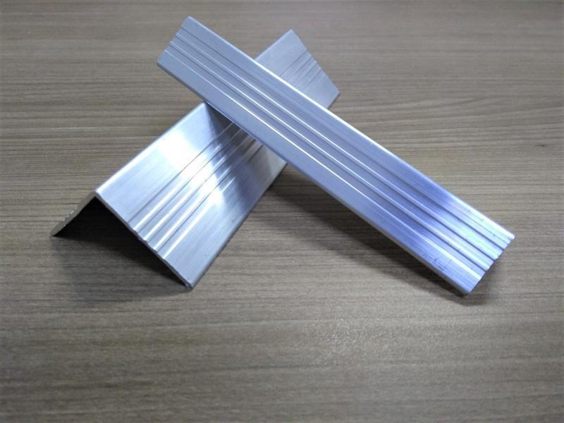 Cantoneira de aluminio preço