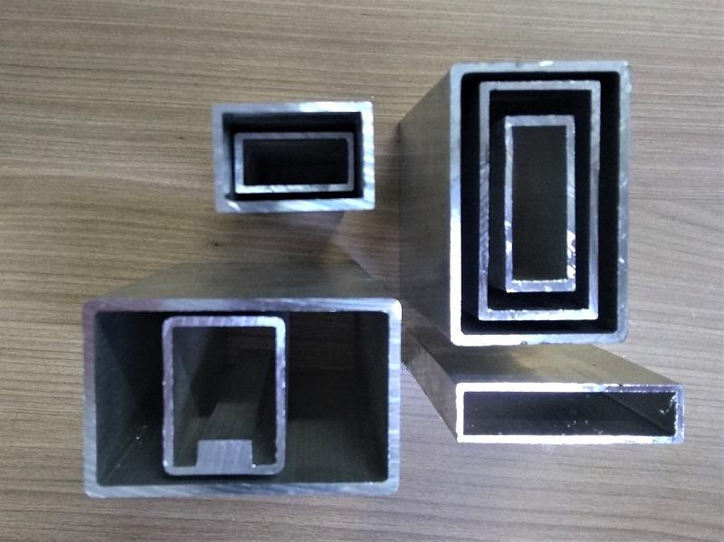 Extrusão de perfis de aluminio