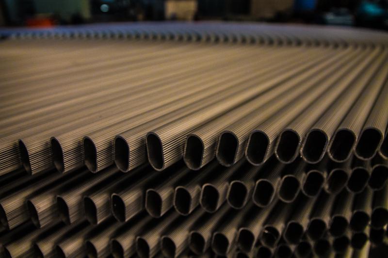 Perfis extrudados de alumínio