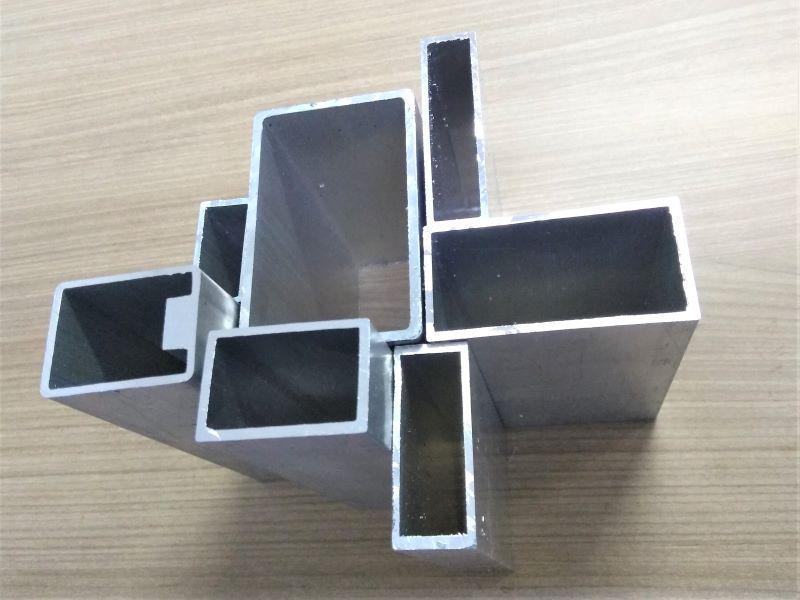 Tubo de aluminio retangular